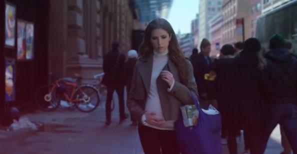 Love Life (1x01) - Darby grávida